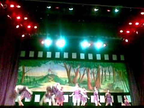 Escola de Dança Athenè Tamisier - Espetáculo Fábulas e Fatos - O Corvo e a R