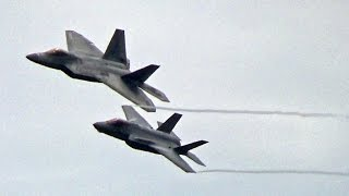 🇺🇸 F-35 & F-22 Raptor at RIAT Airshow 2016.
