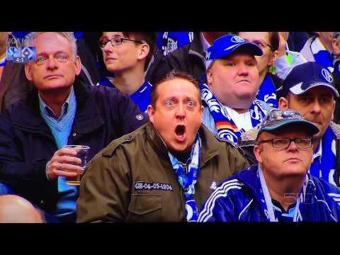 Ein Zuschauer beteiligt sich lauthals an dem Spiel und kommentiert das Spiel auf eine super Lustige art...