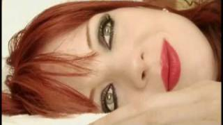 Shirley Manson - In the Snow
