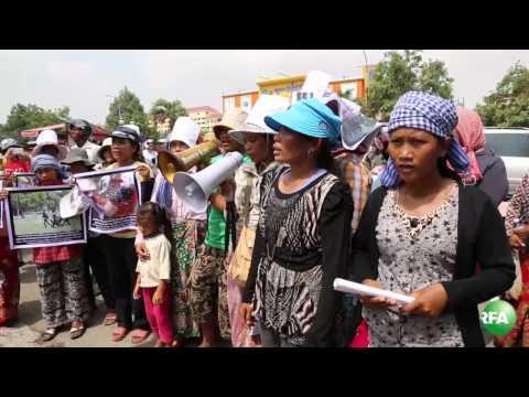 Lor Peang Villagers' Singing