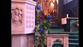 Arreglos florales para iglesia.