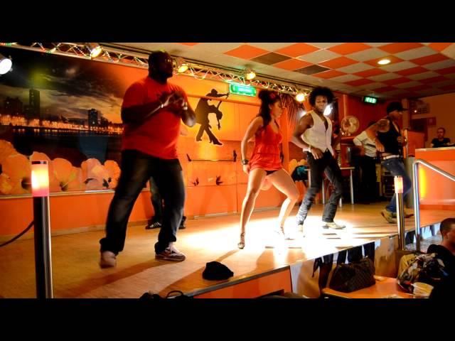 El Calimenio : balli di gruppo e animazione con Boris Diaz : locale Roma Caraibe