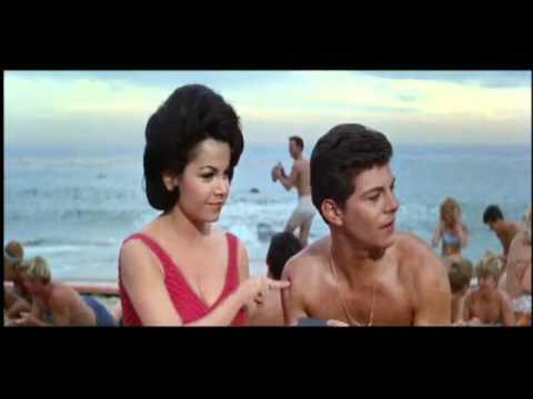 BEACH BLANKET BINGO (1965) R.I.P. ANNETTE FUNICELLO