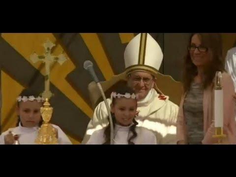 PAPA FRANCESCO CELEBRA MESSA IN UNA PARROCCHIA DELLA CAPITALE 26/05/2013