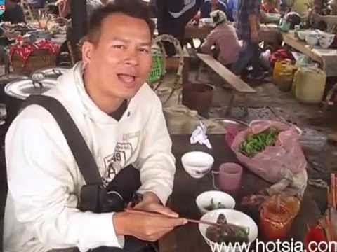mrhotsia eat food in buc ha market laocai vietnam