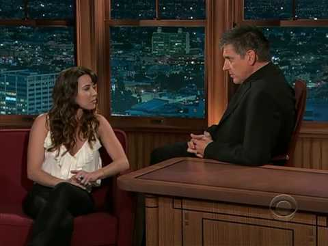 Linda Cardellini - The Late Late Show with Craig Ferguson