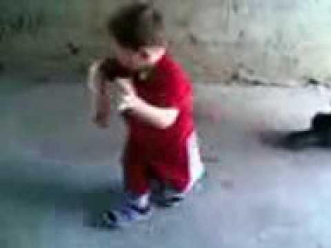 طفل مزهل فى الرقص - جامد جدا thumbnail