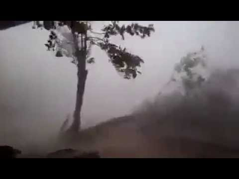 Cyclone roanu destroy in bangladesh