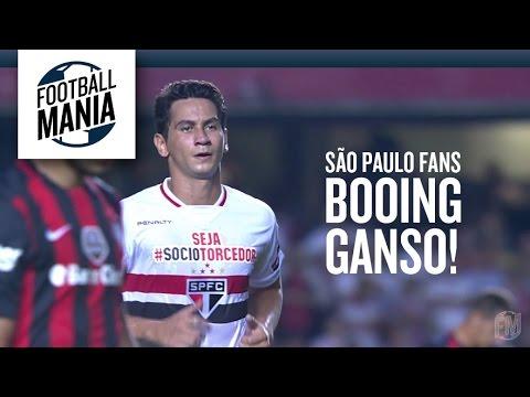 São Paulo Fans Booing Ganso!
