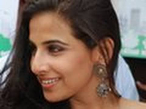 Vidya Balan gets FIVE HUSBANDS!! Video