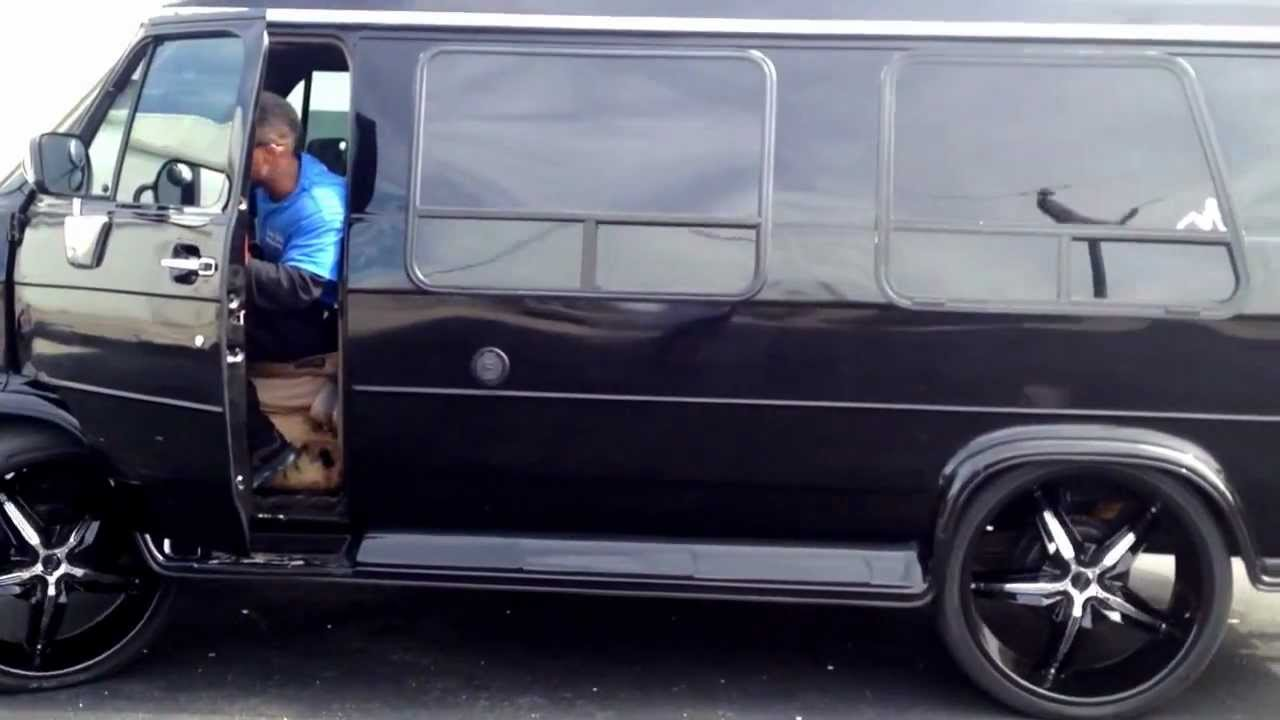 95 Chevy Conversion Van With Airbags On 26 Quot S Youtube