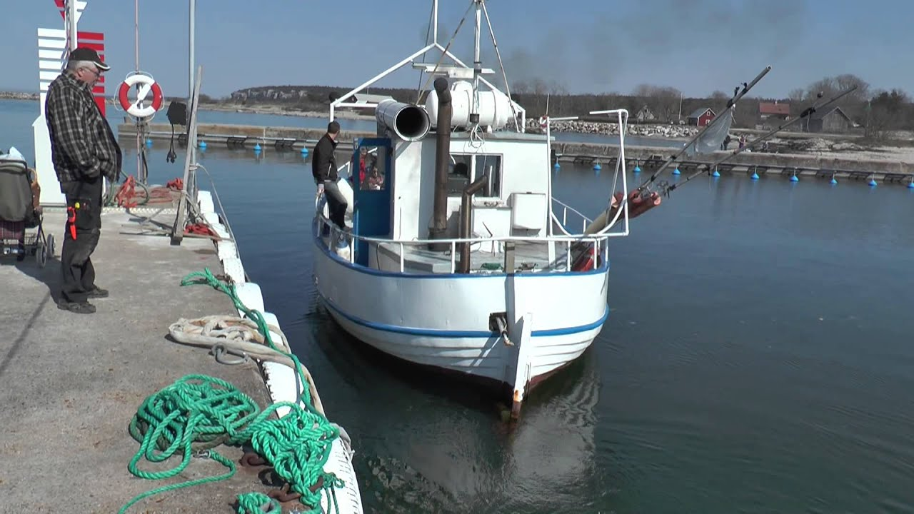 A fine old fishing boat with a nice sound 2014 youtube for Old fishing boat