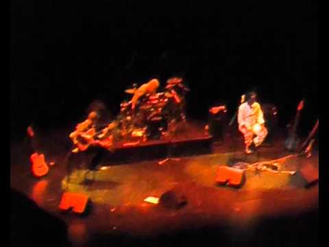 Steve Gadd, Richard Bona and Sylvain Luc - concert in Vélizy, France (februar 7, 2009)