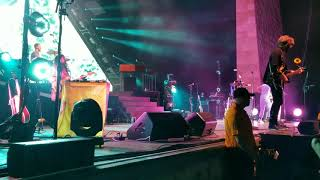 """Apartment"" LIVE - Young The Giant, Home of the Strange tour 2017"