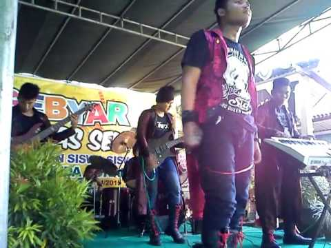 SLEEPWALKER Band Surabaya @SMP Garuda Surabaya part 3 thumbnail