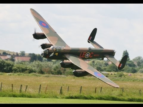 GIANT SCALE RC AVRO LANCASTER 152cc 17ft SPAN - RC MODEL AIRCRAFT SHOW BARTONS POINT - 2012