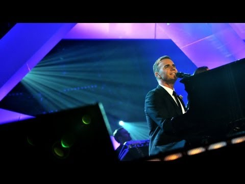 "Gary Barlow performs ""Back For Good"" - Children in Need Rocks Manchester - BBC"