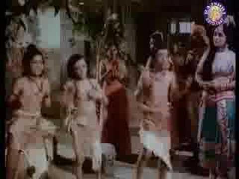 Idhar Bhi Ishwar Udhar Bhi Ishwar - Satyajeet & Asit Sen - Hari Darshan video
