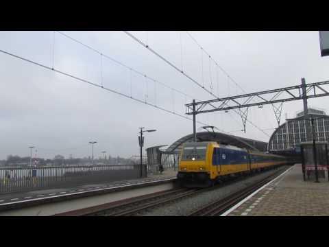Traxx 186 005+ ICD+ 186 004 vertrekken van Amsterdam Centraal - 05 februari 2017