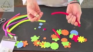 Play c mo hacer pulseras manualidades para ni os en goma eva for Como hacer pulseras de goma eva