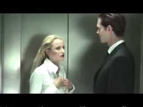 Настоящий мужчина в лифте