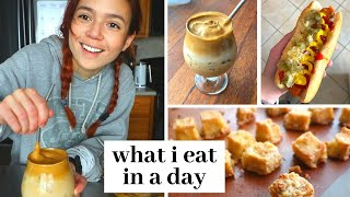 What I Eat in a Day // Cloud Coffee, Crispy Tofu + Home Workout