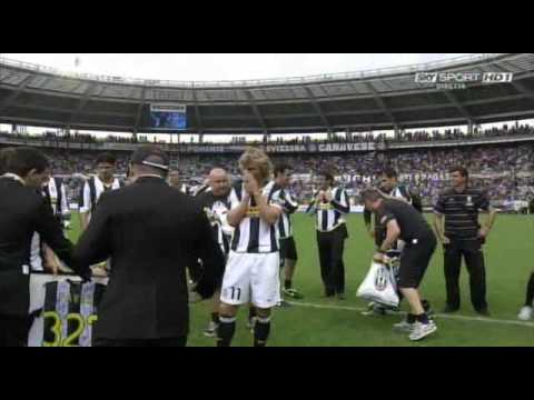 www.vecchiasignora.com L'ultimo saluto di Pavel ai tifosi della Juventus.