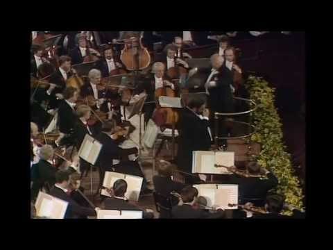 Luciano Pavarotti & Amira Willighagen singing live Nessun Dorma