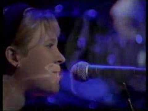 Throwing Muses-Counting Backwards,Live on The Late Show, UK