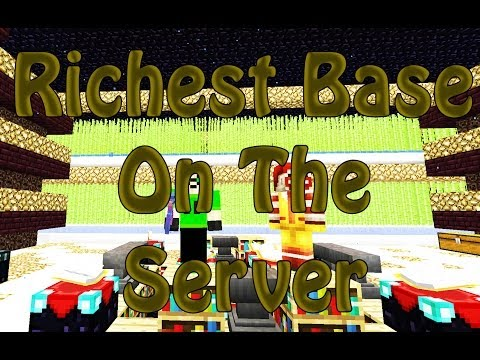 Minecraft Raiding The Richest Base On The Server!