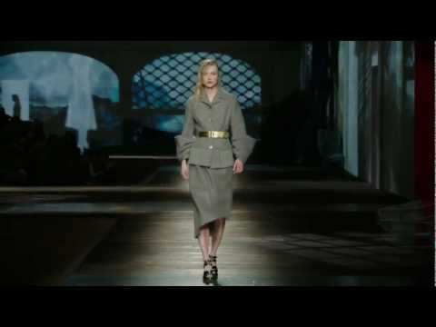Prada Fall/Winter 2013 Womenswear Show #06