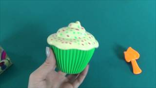Cupcake Surprise transforms into a beautiful princess. Let's open a nice smelling cupcake