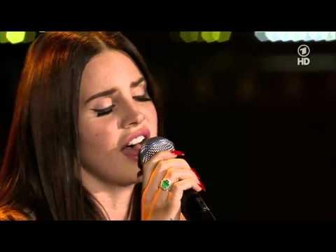 Lana Del Rey - Summertime Sadness (Live @ New Pop Festival)