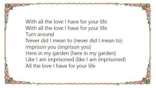 Watch Fleetwood Mac Running Through The Garden video