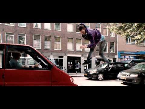 Hi commercial 'Rennen' – Vrienden staan nooit uit