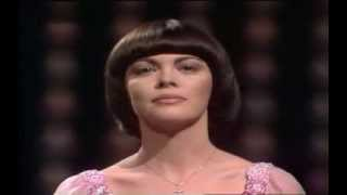Watch Mireille Mathieu Kleine Schwalbe video