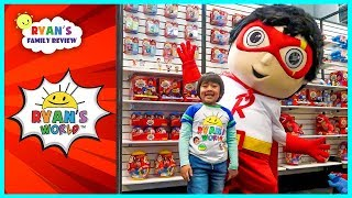 Ryan meet Giant Red Titan and See Ryan's World new toys!!!