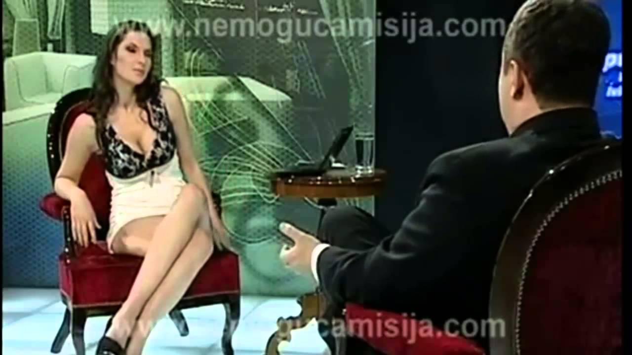 Русская телеведущая раздвинула ноги в прямом эфире 9 фотография