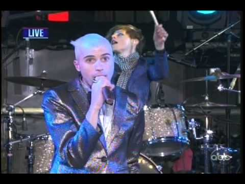 Neon Trees: Animal, Lessons In Love, Everybody Talks (new Year's Eve 2012) video
