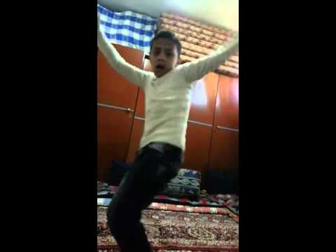 ولد أردني يرقص مصري بإحتراف thumbnail