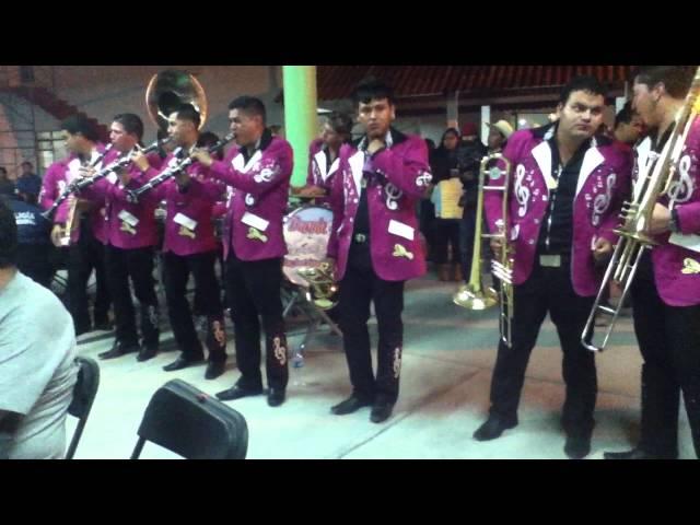 Dos trombones conversando Banda Marinitos
