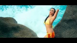 suck!! fuck!! alia se bikini falls down on beach & make a.seen of amazing boobs. WOW !!!