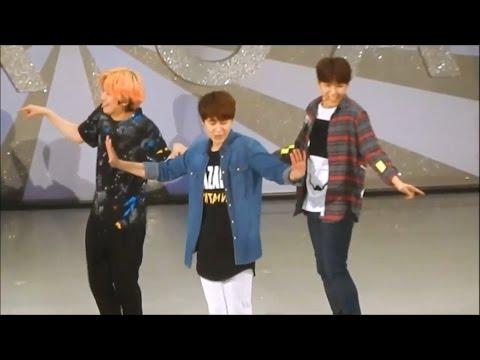 download lagu Super Junior - Random Play Dance Live! gratis