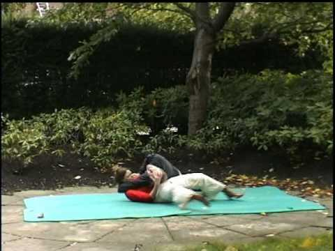 HEAD SCISSORS SELFDEFENCE WOMEN