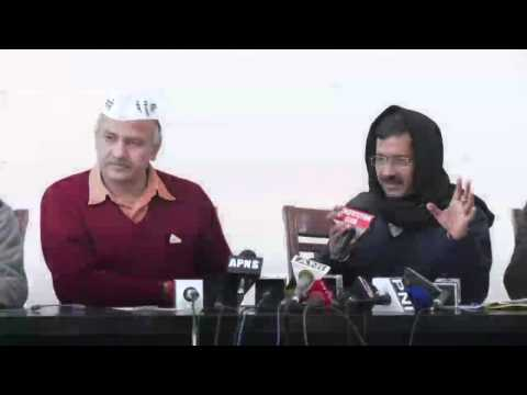 AAP submits proof of lakhs of dubious voters in Delhi