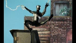 MEZCO PX EXCLUSIVE BLACK SUIT SPIDER MAN