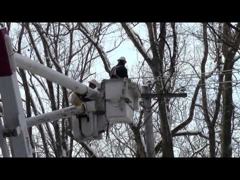 PECO Crew Restores Electric Power in Uwchlan Township...