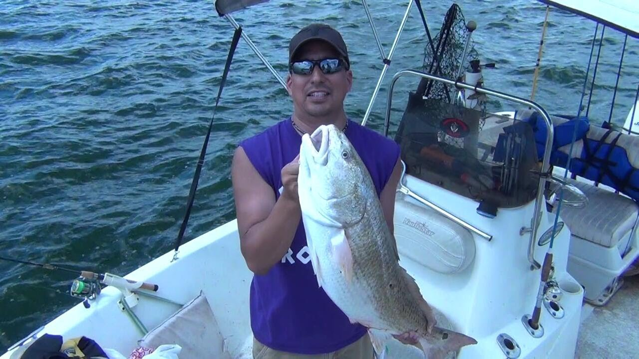 Big bull redfish fishing at calaveras lake youtube for Calaveras lake fishing guides