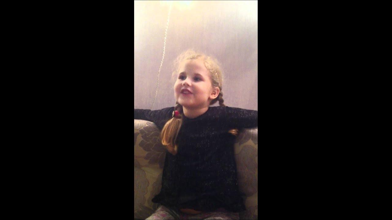 ПРОСВЕЧИВАЮТ ТРУСИКИ). малолетка танцует в трусах. сама ходит на горшок 1г